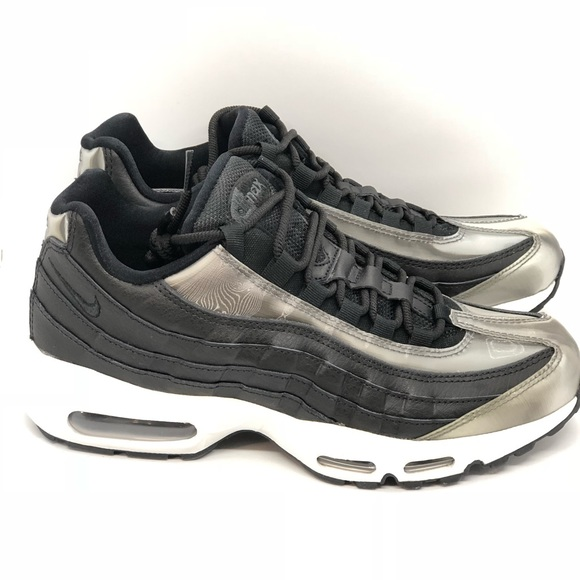 New Nike Women s Air Max 95 SE Running Sz 9. 184494ee70